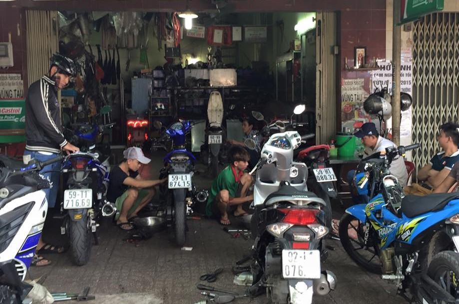 4 kinh doanh tiệm xe máy